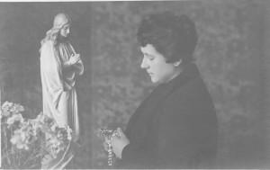 22 - Maria aristea in preghiera
