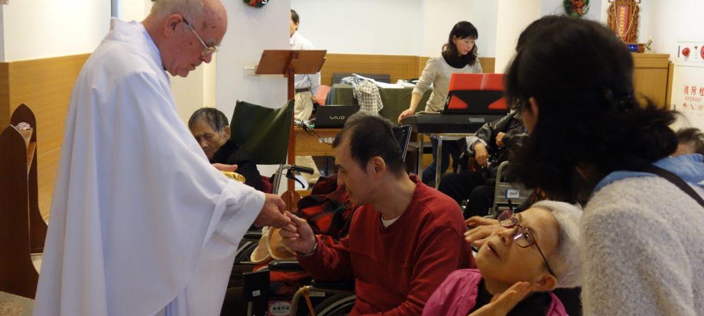 22 Cristmas Mass (1)