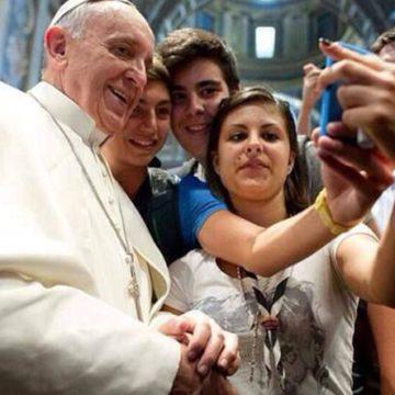 selfiepapa-kXwF-U43270346101285MNF-1224x916@Corriere-Web-Sezioni-593x443